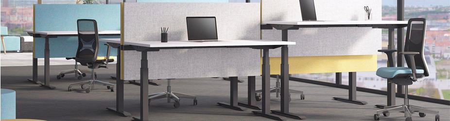 Het verminderen van rugklachten met een zit-sta bureau